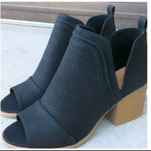 NIB Qupid Cutout Perforated Ankle Booties